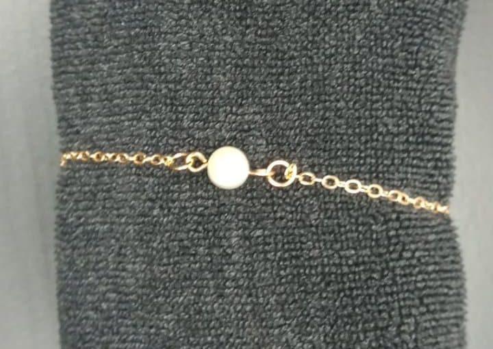 Bracelet 1 perle blanche